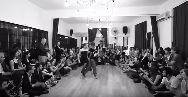 Ilgın Tetikcan and Ayşe Karaoğlu – performance (2014)