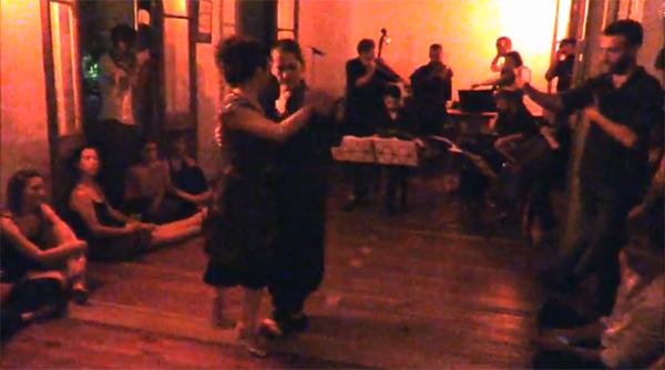 Soledad Nani, Romina Pernigotte and La Negro Cejas Orquesta Típica